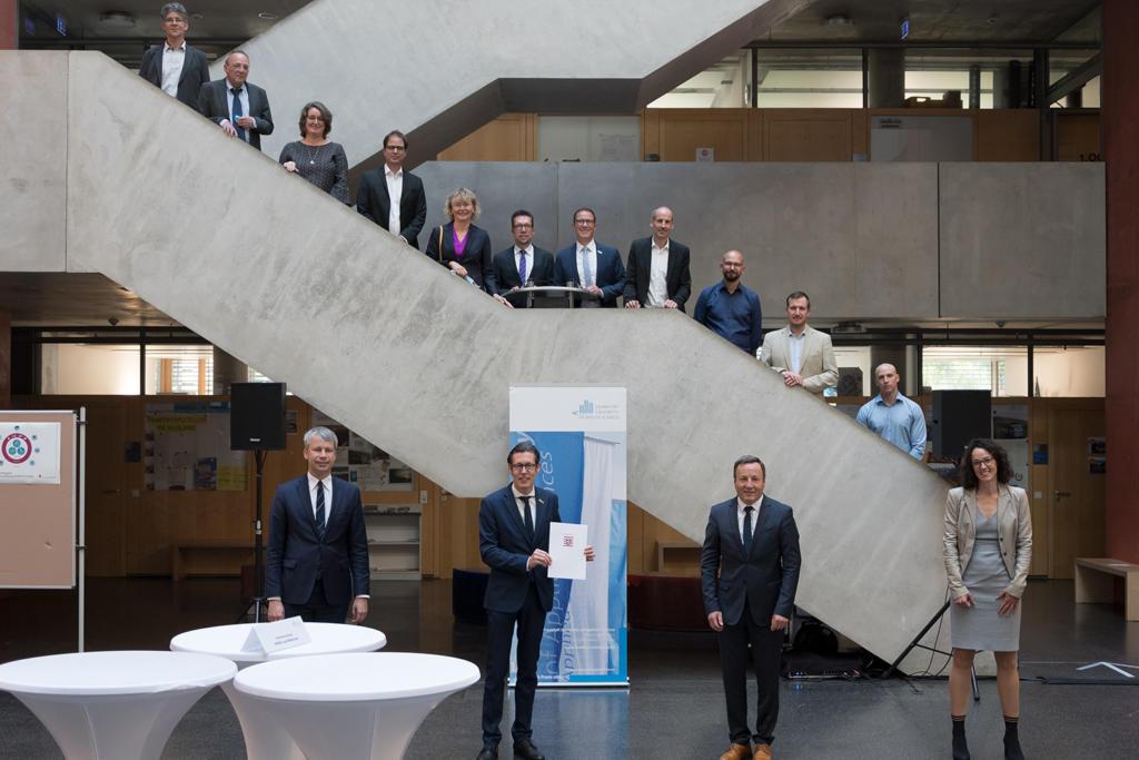 Frankfurt UAS, Hochschule Fulda und Hochschule RheinMain gründen Promotionszentrum für Mobilität und Logistik
